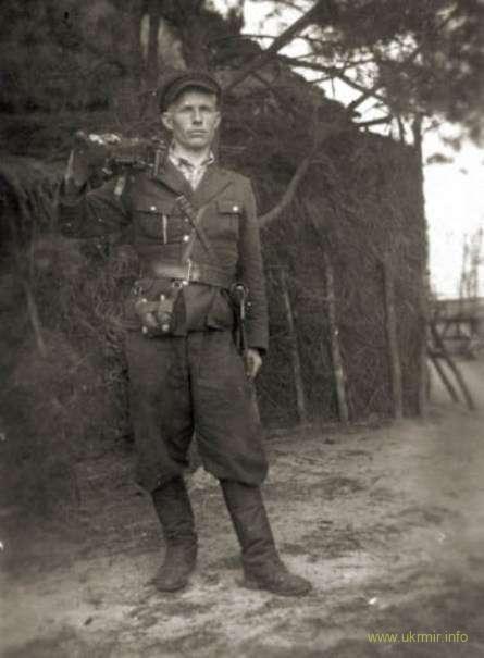 Повстанец-пулеметчик с Тернопольщины, 1944 год. Источник: Архив ЦИОД