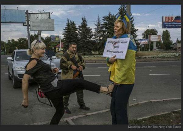 Об убитом российском после — Земля тебе стекловатой, тварь.