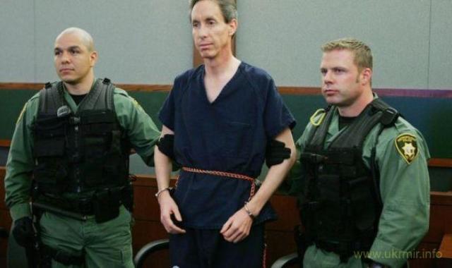 Лідер секти полігамістів Воррен Джеффс 2011 року був засуджений до довічного ув'язнення за зґвалтування двох неповнолітніх
