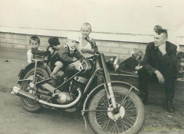 Мотоцикл моей бабушки Иж-49. Фото из архива Таисии Фоминой