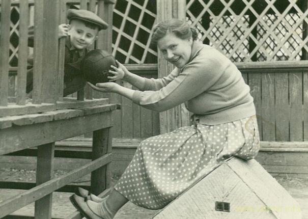 Весна 1959 года, незадолго до отъезда из Челябинска-40. Фото из архива Таисии Фоминой