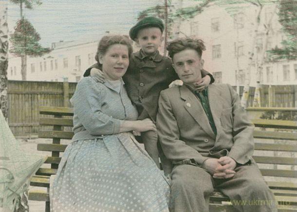 Лето 1959 года, в коляске — мой папа. Фото из архива Таисии Фоминой