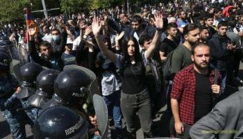 Армения - количество арестов протестующих растет