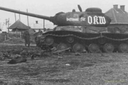 Жуков подарил Гитлеру 6,5 тысяч советских танков