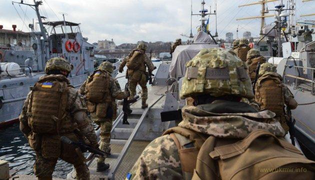 """Украинские морпехи впервые испытали десантно-штурмовые """"Кентавры"""""""