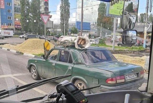 В Воронеже мертвеца возили по городу на крыше «Волги»