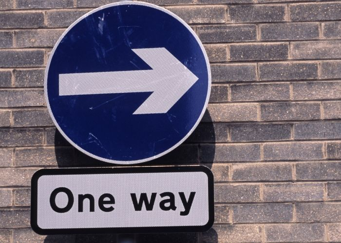 Sign makers must adhere to road traffic sign rules