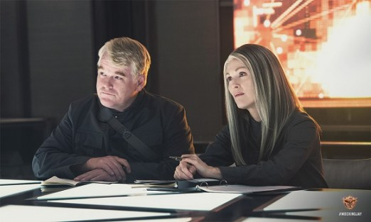 plutarch-heavensbee-and-alma-coin-in-mockingjay-part-1