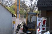Schweres Gerät vor neuen Mauern