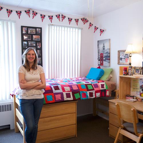 Nicqelle's Top 5 Dorm Room Decorating Tips