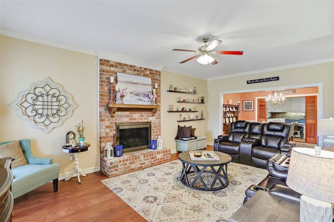 09-693 Country Pl Dr