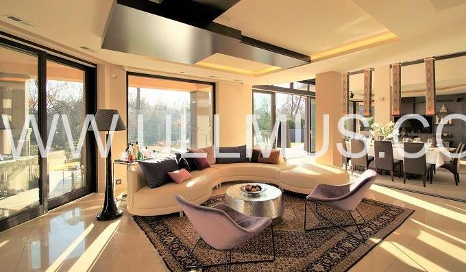 Luxury modern villa with a river view, Piaseczno n. Warsaw, Poland