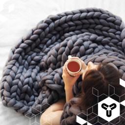 Wie gemütlich sieht denn bitte diese Decke aus?! Kein Wunder, dass Anna von Ohhio ihr Kickstarter-Ziel um ein Mehrfaches gesprengt hat. Weiter so! Macht die Welt noch ein kleines bisschen hübscher! www.ohhio.me