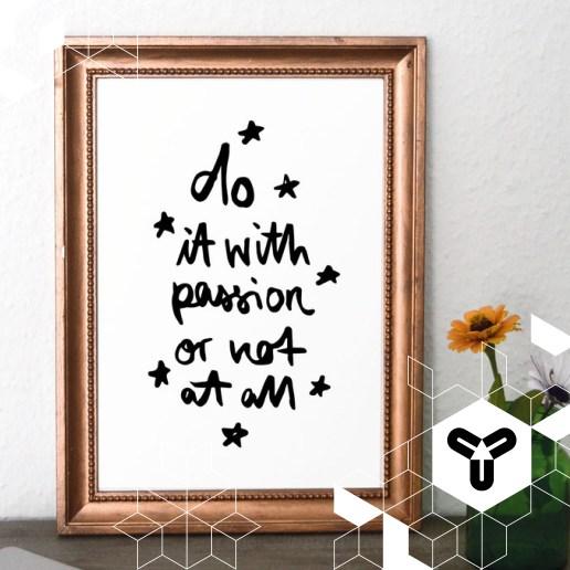Genug pausiert. Ab morgen gibt es wieder regelmäßig Design-Inspiration auf unserer Seite! :) Habt einen schönen Sonntag Abend. Und was immer ihr tut, tut es mit Leidenschaft! <3 Kunstdruck: www.formart-kunstdrucke.de