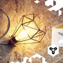 """Diese Lampe verschönert jedes Office, Wohnzimmer, Schlafzimmer,... Schön! Genauso schön wie die Idee von James & Greg von """"The Electrical Shop"""", moderne, gut-gestaltete und erschwingliche Lampen zu produzieren. Und hier sind die zu haben: www.the-electrical-shop.co.uk"""