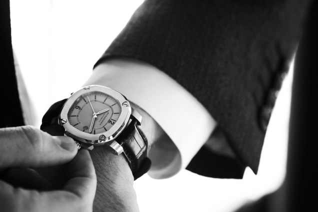 burbery-britain-watch-on-wrist