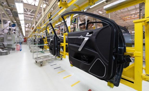 Monitoreo de la eficiencia de la producción automotriz