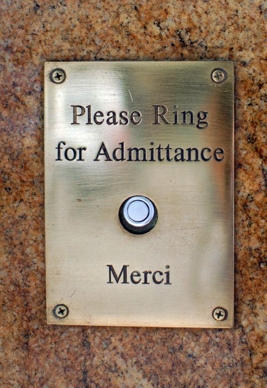 Le Bec Fin Doorbell