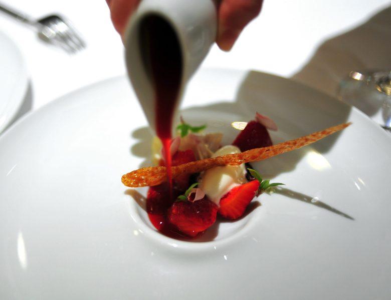 1st Dessert: Strawberry in Hibiscus