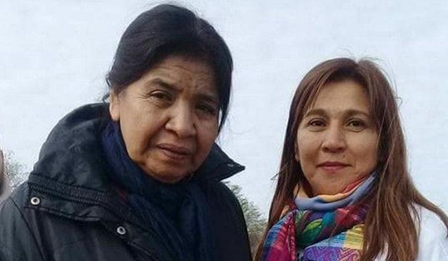 La dirigente social Margarita Barrientos, junto a Marta Salto, tía de Marito.