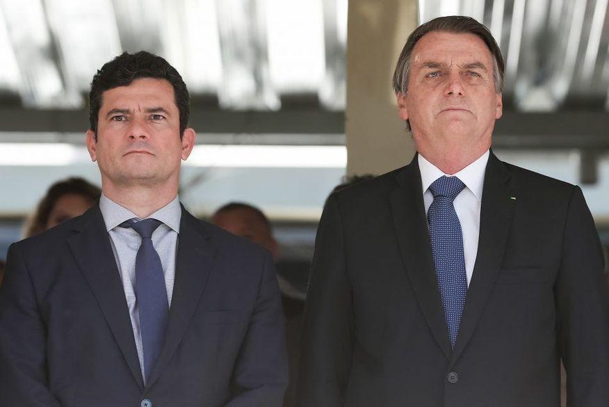 """Vídeo da reunião: Bolsonaro xinga prefeitos, pede armamento da população e diz: """"eu não vou esperar f**er minha família"""""""