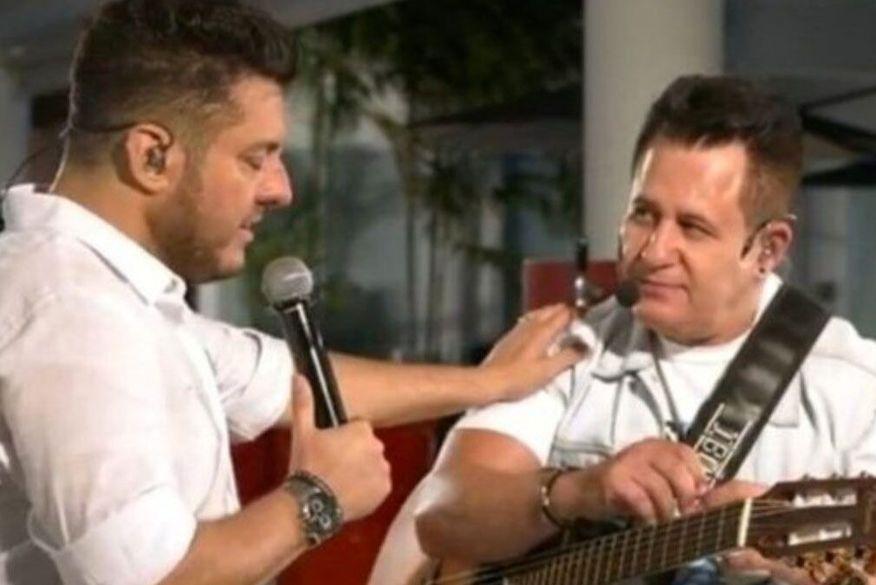 Depois de Gusttavo Lima, Bruno e Marrone levam advertência do Conar por live
