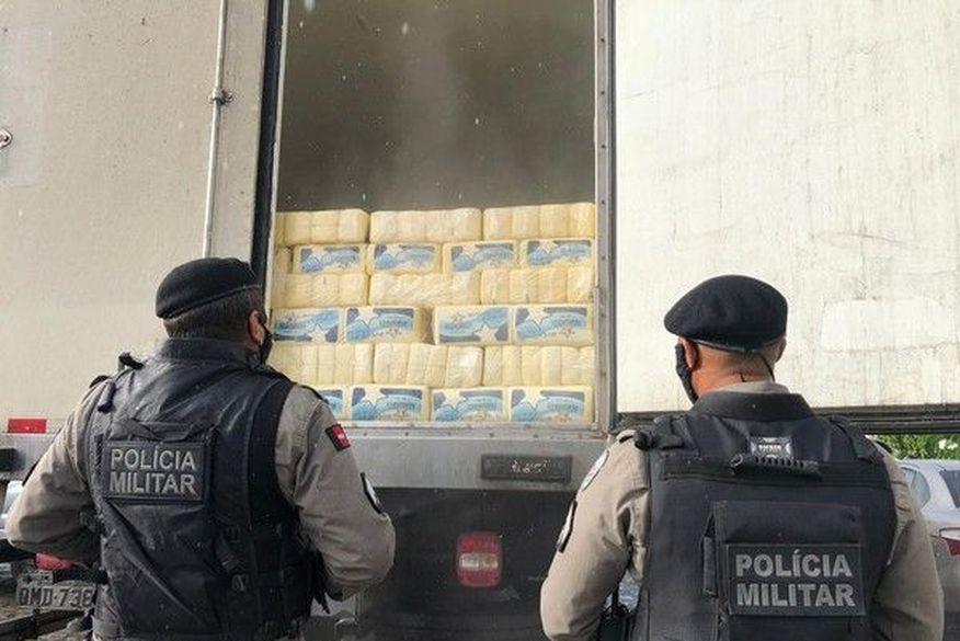 Grupo é preso suspeito de roubar caminhão carregado de frios em João Pessoa