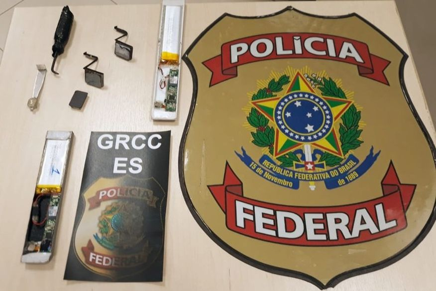 Operação da Polícia Federal prende suspeitos de fraudar benefício do auxílio emergencial