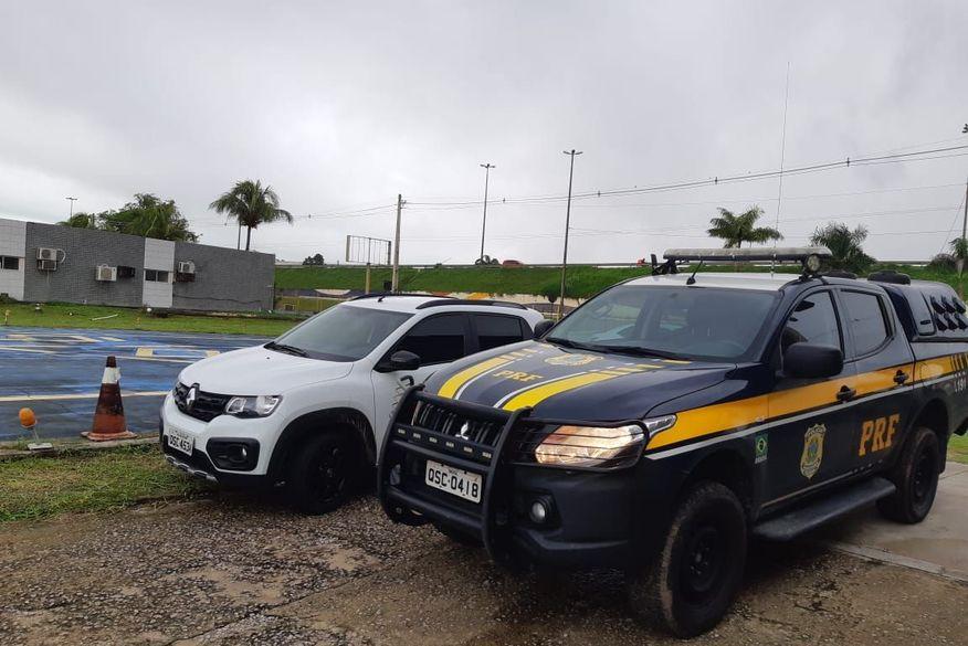PRF prende em João Pessoa motorista de aplicativo com carro roubado e clonado comprado em app de vendas