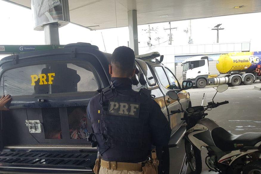 Polícia Rodoviária Federal prende foragido da Justiça pelo crime de homicídio na Paraíba
