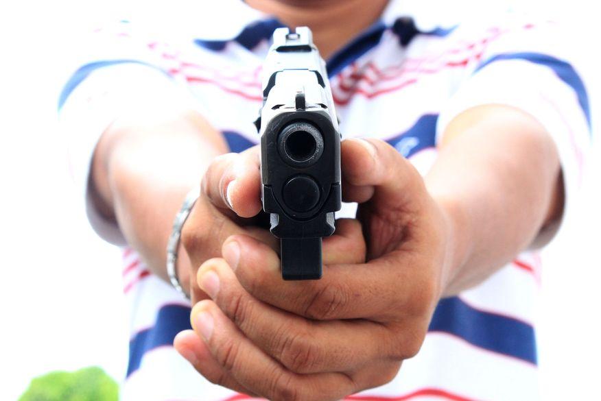 Suspeito de tentar assaltar fábrica de cimentos fica ferido após trocar tiros com vigilanete em João Pessoa