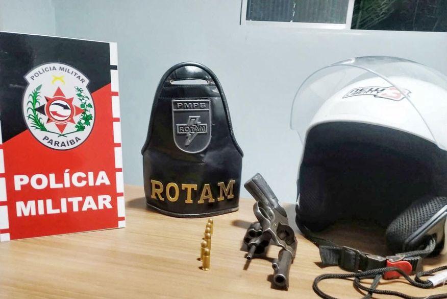 Polícia apreende adolescente armado suspeito de roubar moto de entregador de lanches em Campina Grande