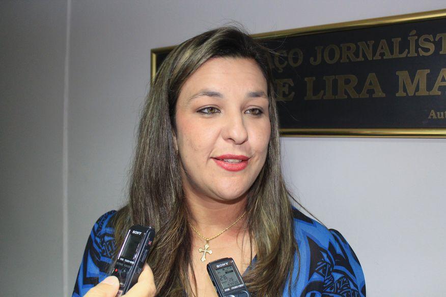 Após saída de Raniery Paulino da bancada de oposição, Camila Toscano deverá liderar grupo de deputados na Assembleia Legislativa