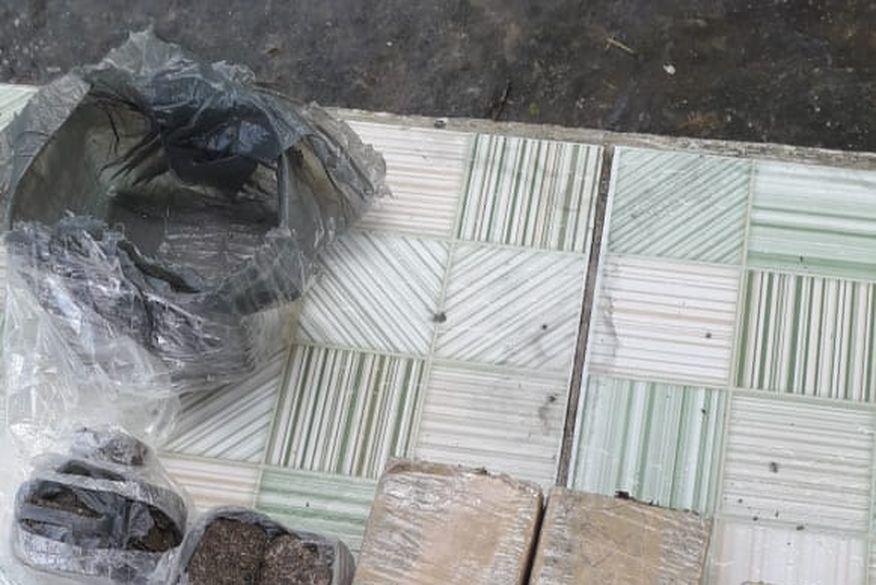 Polícia Militar flagra homem tentando arremessar drogas para interior do presídio de Campina Grande
