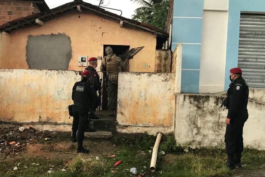 Gaeco deflagra operação e cumpre mandatos contra integrantes do PCC na Paraíba