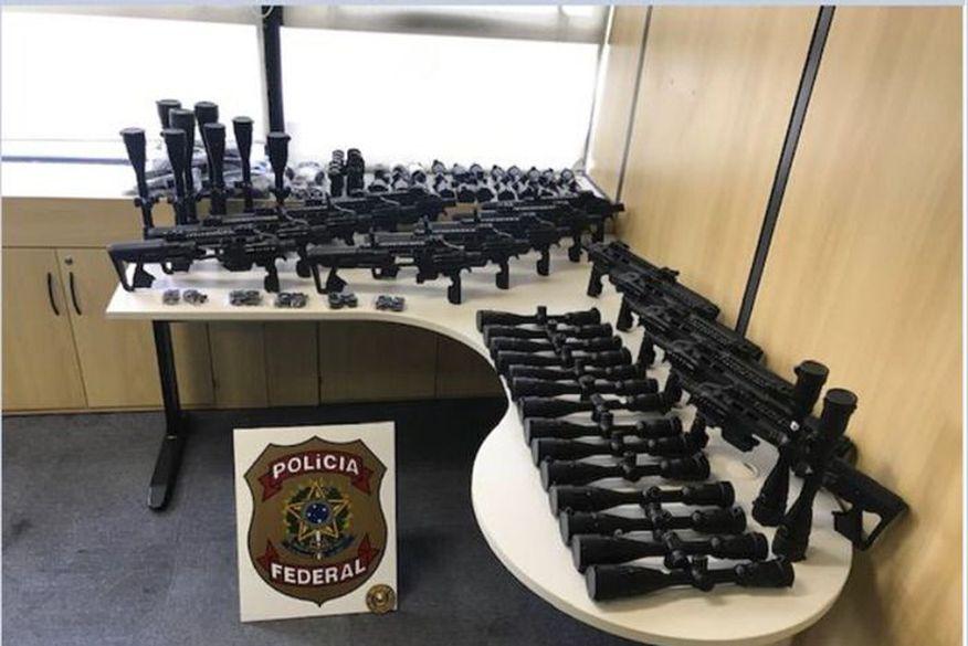 Polícia Federal deflagra operação contra tráfico internacional de armas em oito estados