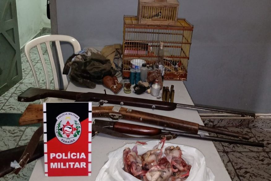 Polícia prende suspeito de caça ilegal, apreende três armas e aves silvestres vivas e mortas em Itabaiana
