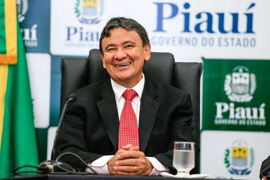 Governador do Piauí é alvo de operação da Polícia Federal contra desvios da Fundeb