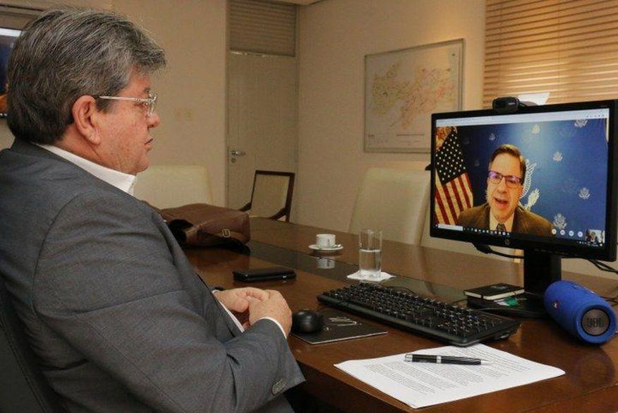 João Azevêdo se reúne com embaixador dos Estados Unidos e apresenta oportunidades de investimentos na Paraíba