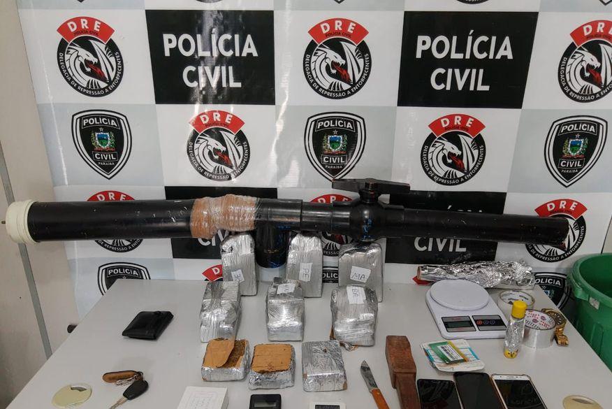 Polícia apreende 'bazuca' improvisada para arremesso de drogas e celulares em presídios e prende grupo suspeito de tráfico em Campina Grande