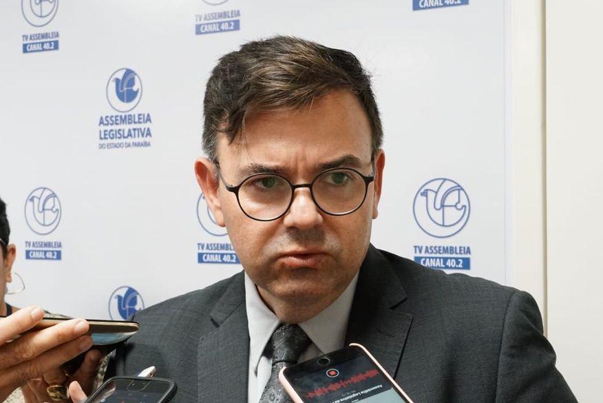 Raniery Paulino tira licença para cuidar da saúde e da campanha eleitoral em Guarabira; deputado é um dos nomes do MDB para disputa a prefeito