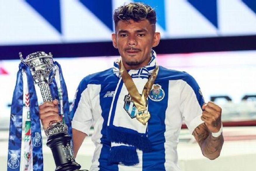 Após ter sido pedreiro e rodado por 11 times pequenos, paraibano Tiquinho Soares brilha no futebol europeu e vale R$ 264 milhões: 'nunca abaixei a cabeça'