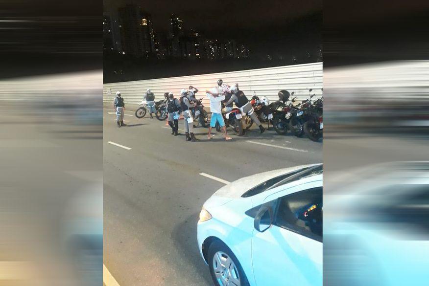 Operação Barulho Zero multa 54 motociclistas devido a irregularidades nos escapamentos dos veículos em João Pessoa