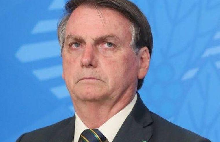 Bolsonaro circula sem máscara e chama de 'absurdo dos absurdos' decisão do STF que permitiu fechamento de igrejas