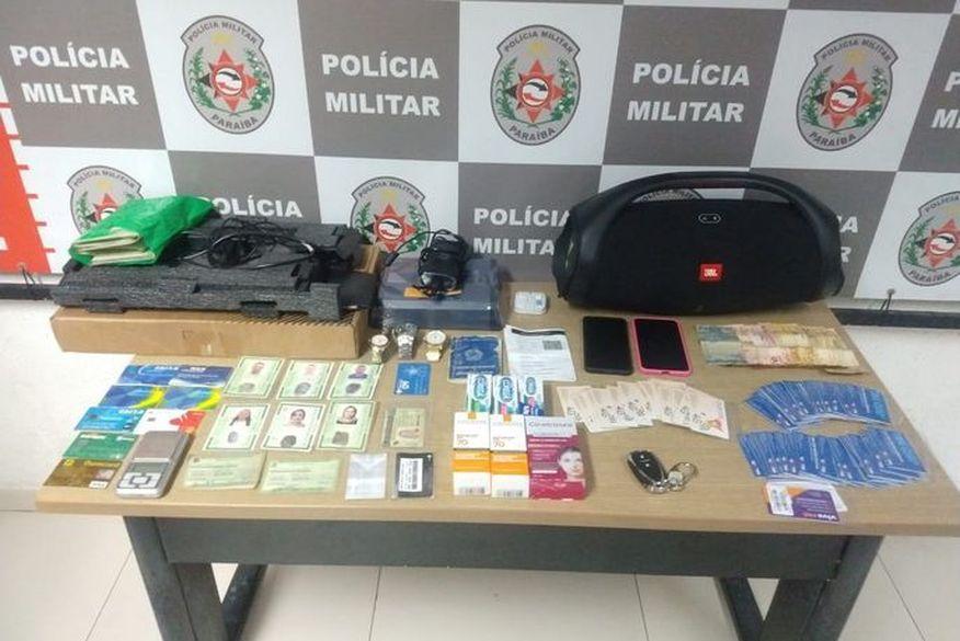 Casal é preso suspeito de furtar farmácia no bairro dos Bancários, em João Pessoa