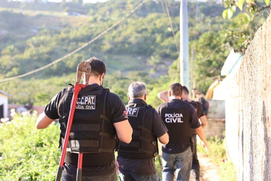 22 pessoas são presas suspeitas de crimes de homicídios e tráficos de drogas durante operação na Grande João Pessoa