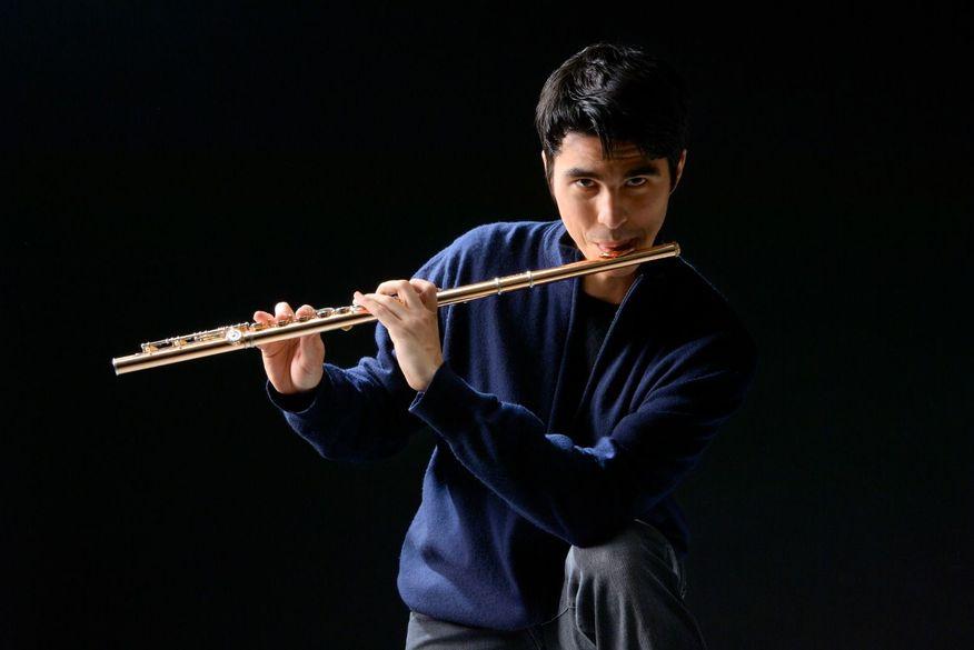 Programa ?Concertos Sinfônicos Digitais? tem como atração o flautista paraibano radicado na Alemanha, Vitor Diniz