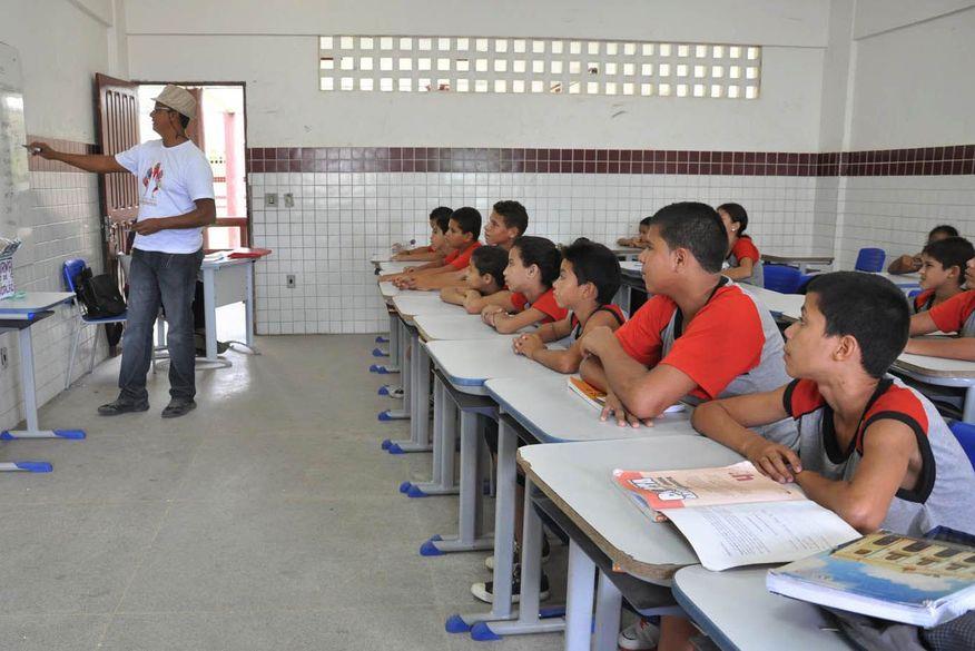 Retorno às aulas presenciais nas escolas municipais de João Pessoa deve ocorrer em setembro, diz sindicato