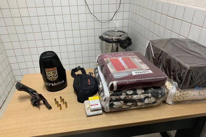 Adolescente é apreendido suspeito de assalto e Polícia Militar recupera carro e objetos roubados em João Pessoa