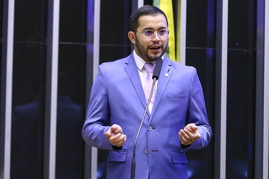 Após Eduardo Leite assumir ser gay, deputado paraibano já defende candidatura do governador gaúcho à presidência